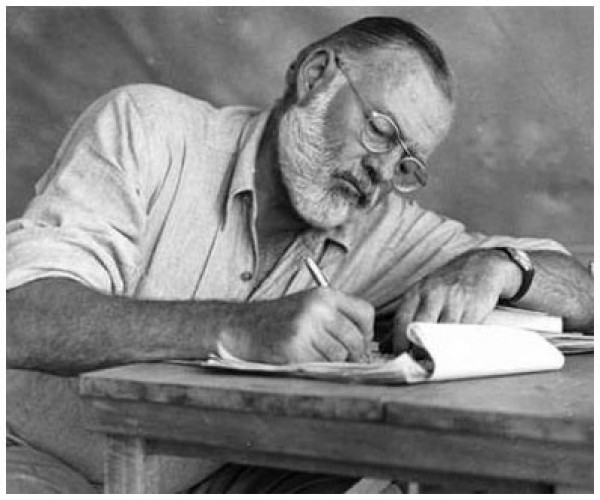 Ernest Hemingway (Forrás: JFK Library)