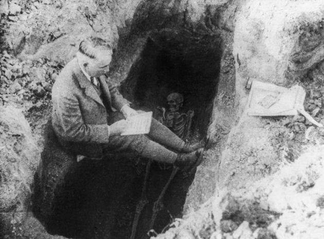 Móra Ferenc ásatáson (fotó: OSZK/MEK)