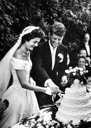 John és Jacqueline Kennedy, 1953 (Fotó: jfklibrary.org)
