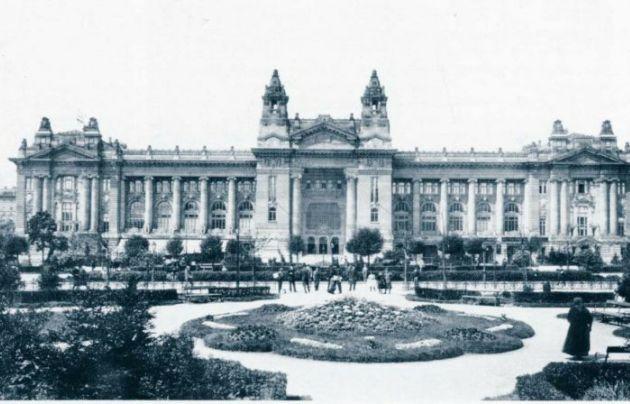 A Tőzsdepalota 1905 körül (Fotó: MEK/OSZK)
