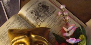 Shakespeare: Rómeó és Júlia, könyv, maszk