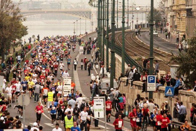 maraton futás, Budapest (MTI Fotó)
