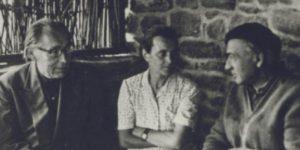 Szabó Lőrinc, Kozmutza Flóra és Illyés Gyula 1957 szeptemberében, Tihanyban (Fotó: PIM)