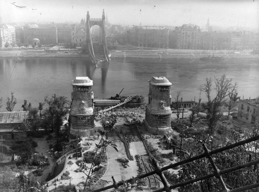 cultura-1945-budapest-erzsebet-hid.jpg
