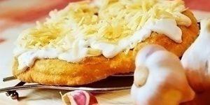 Street food, étel, kefíres-sajtos lángos