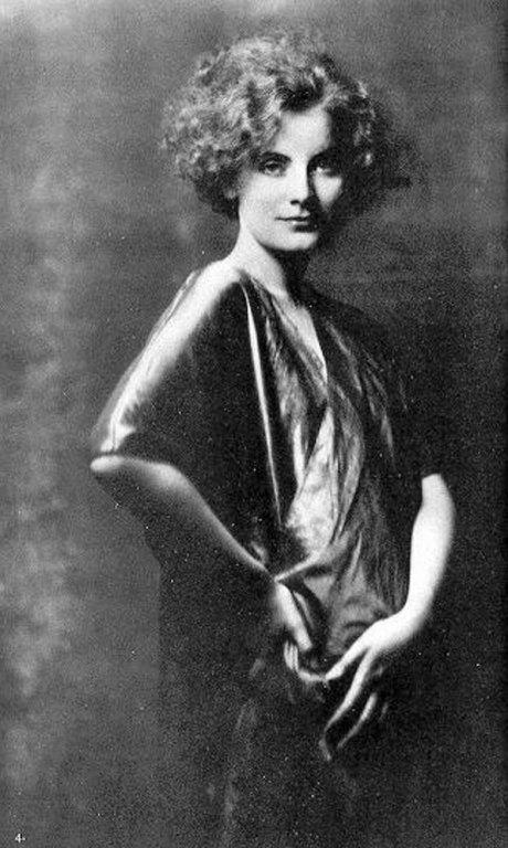 Greta garbo a titokzatos v gzet asszonya for Garbo arredamenti