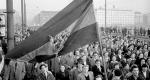 1956-os forradalom, tüntetők (MTI Fotó)