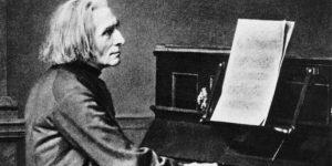 Liszt Ferenc a zongoránál (Fotó: Wikipésia, részlet)