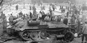 1956-os forradalom és szabadságharc, Móricz Zsigmond körtér, Budapest (Fotó: Fortepan)