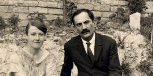 Török Sophie, Ádáz kutya és Babits Mihály, Esztergom, 1928 nyara (Fotó: OSZK)