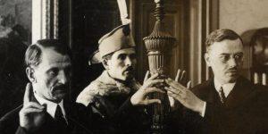 Bárczi Géza nyelvész egyetemi kinevezése és esküje, 1941 (Fotó: Debreceni Egyetem)