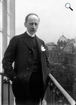 Romain Rolland a lakása balkonján, Montparnasse, Párizs, 1914 (Fotó: Wikipédia)