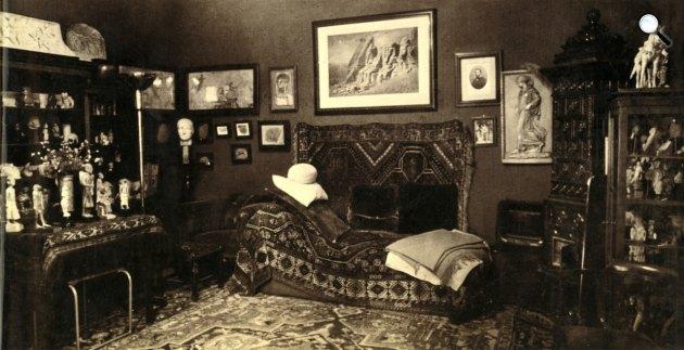 Sigmund Freud szobája a híres dívánnal, London, 1938 (Fotó: Freud Museum London/Facebook)