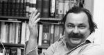 Lázár Ervin író a dolgozószobájában