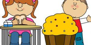 Túlsúlyos kislány és kisfiú eszik (Fotó: pixabay.com)