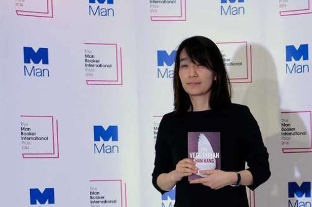 Han Kang író, Nemzetközi Man Booker-díj nyertese 2016-ban (Fotó: Man Booker International Prize/Facebook)
