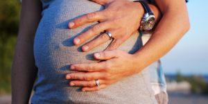 Család, terhesség, gyerek (Fotó: listal.com)