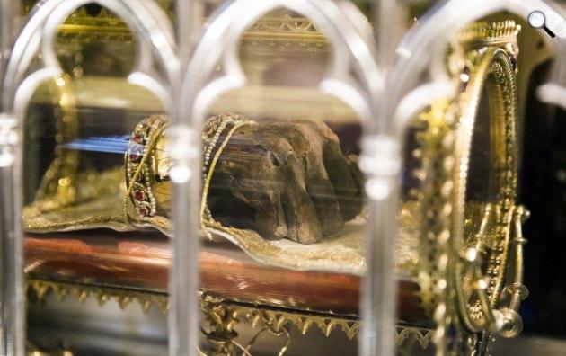 Szent Jobb, I. István, Árpád-házi magyar király mumifikálódott jobb keze (MTI Fotó: Moha Balázs)