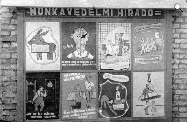 Vicces, humoros faliújság, 1958 (Fotó: Fortepan)
