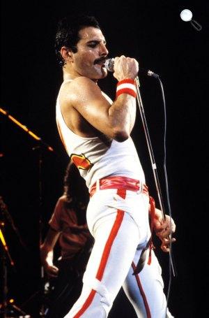 Queen koncert - Freddie Mercury (Fotó: listal.com)
