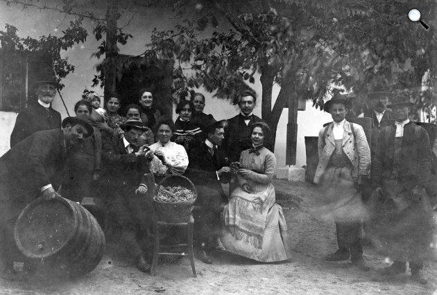 Szüreti mulatság, 1903 (Fotó: Fortepan)