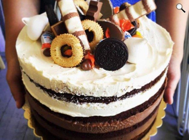 Étcsoki-tejcsoki-vaníliás eperkrém belga csokitorta (Fotó: Édesem/Facebook)