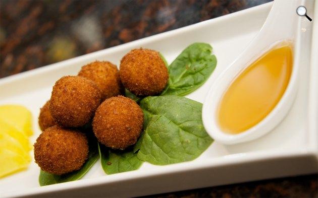 Sajtfánk, étel (Fotó: foodnetwork.com)