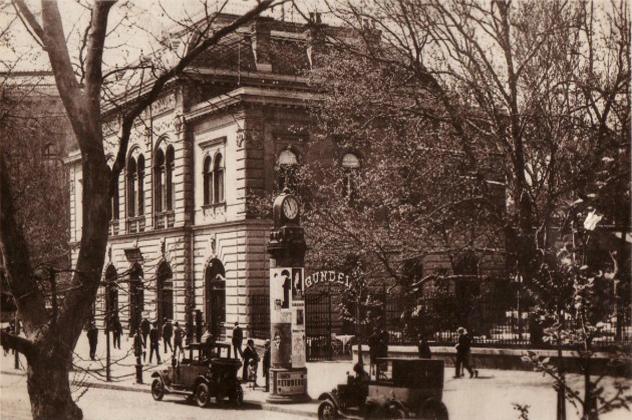 Gundel ÉtQterem a Városligetben, Budapest (Gundel szakácskönyv)