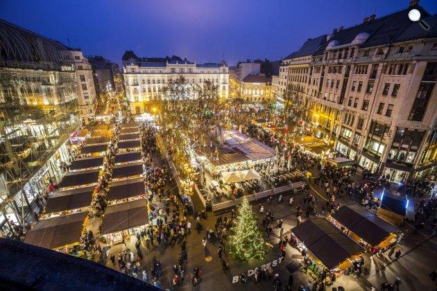 A budapesti adventi és karácsonyi vásár (MTI Fotó: Mohai Balázs)
