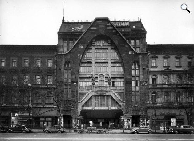 Divatcsarnok, Andrássy út (Népköztársaság útja) 39., Budapest (Fotó: Wikipédia)