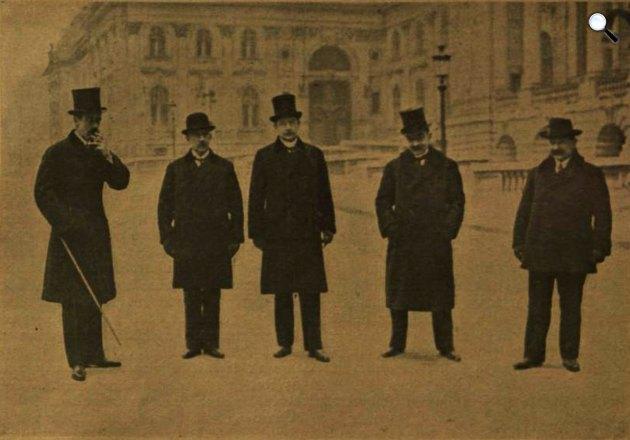Gróf Bethlen István miniszterelnök és a kormány tagjai a Budai Várban, 1921. december 25. (Fotó: Vasárnapi Ujság / OSZK)