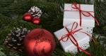 Karácsonyfa, díszek, ajándék (Fotó: pixabay.com)