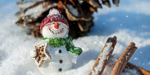 Hóember, havas táj, tél (Fotó: pixabay.com)