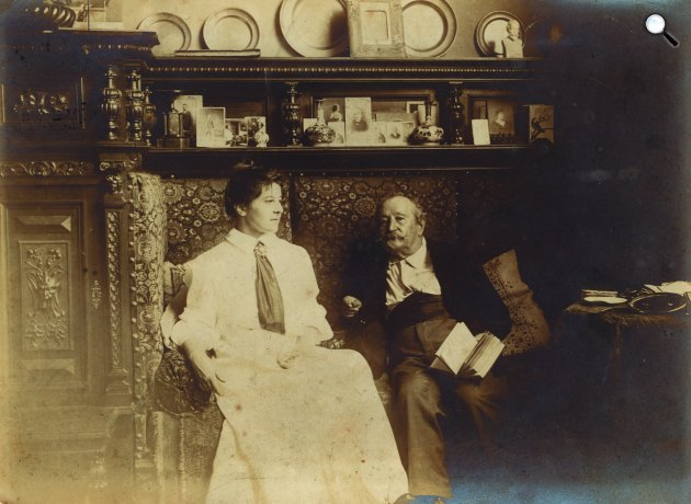 Madarász Adeline (1871-1962) és apja, Madarász Viktor (1830-1917) (Fotó: Erdős Renée Ház)