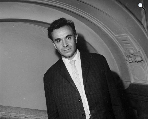 Devecseri Gábor (1917-1971) költő, író, műfordító, 1964 (Fotó: Fortepan)