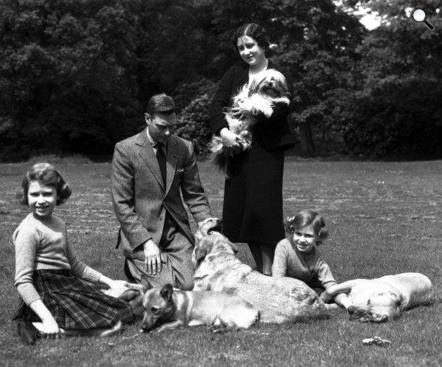 VI. György angol király és családja, Erzsébet királyné, Erzsébet és Margit (Fotó: listal.com)