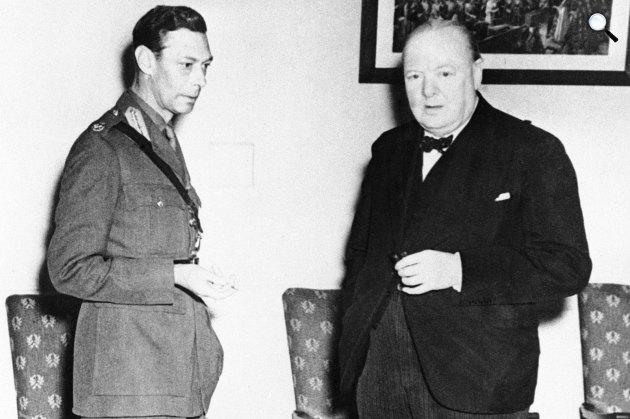VI. György angol király és Winston Churchill miniszterelnök, 1942 (Fotó: listal.com)