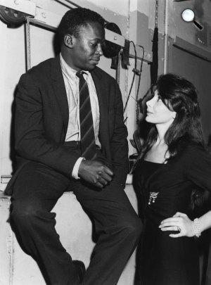 Juliette Greco énekesnő és Miles Davis jazz trombitás, 1950 (Fotó: milesdavis.com)