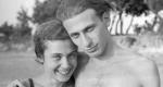 Radnóti Miklós és Gyarmati Fanni nászútjukon a Duna-parti strandon, 1935. augusztus 13. (Fotó: Gyarmati László / PIM))