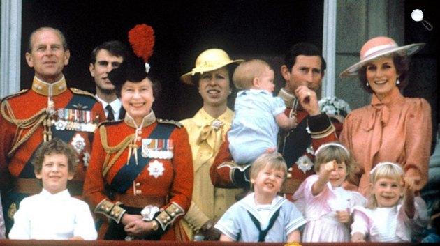 II. Erzsébet királynő és férje, Fülöp herceg, Károly és Diana (Forrás: Royal.gov.uk)