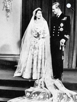 II. Erzsébet királynő és férje, Fülöp herceg, 1947 (Forrás: Royal.gov.uk)