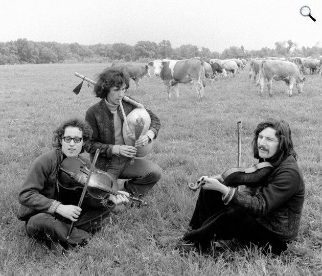A Sebő együttes tagjai 1974-ben: Sebő Ferenc, Koltay Gergely és Halmos Béla (MTI Fotó: Danis Barna)