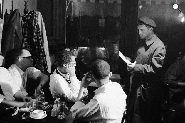 Jack Kerouac felolvas a Seven Arts Cafe-ban, New York, 1959