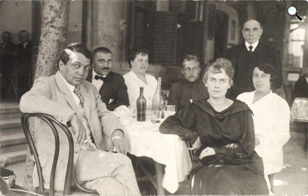 Ady Endre (1877-1919), Ady Lajos (1881-1940), Ady Lajosné Kaizler Anna (1891-1956), Boncza Berta (1894-1934), Putty Lia (1897-1931), 1917. július 8., Balatonfüred (Fotó: PIM)