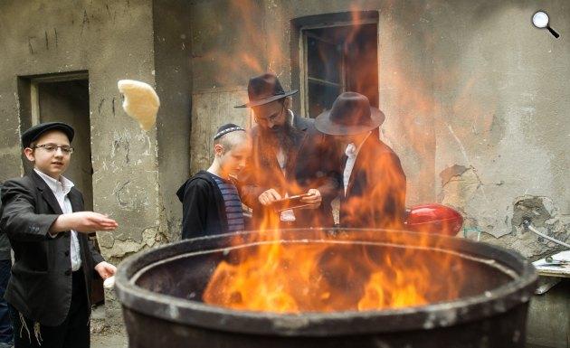 Készülődés a pészah zsidó ünnepre Budapesten (MTI Fotó: Kallos Bea)