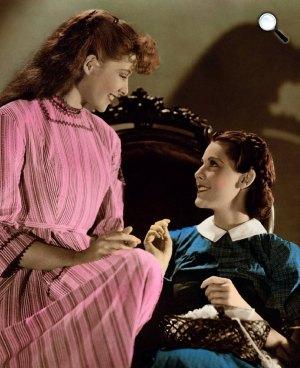 Fiatal asszonyok - Katharine Hepburn és Frances Dee, 1933 (Fotó: listal.com)