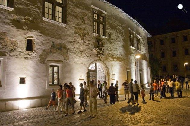 Múzeumok éjszakája, Janus Pannonius Múzeum, Pécs (MTI Fotó)