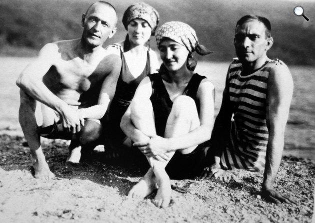 Hermann Hesse író a barátaival nyáron, 1921 (Fotó: babelio.com)