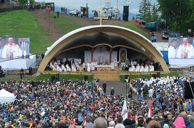 A román kormányőrség újabb magyarellenes visszaéléseire derült fény a pápalátogatás kapcsán