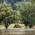Árvíz - Duna, Visegrád-Szentgyörgypuszta és Kisoroszi között közlekedő rév, 2013 (MTI Fotó: Mohai Balázs)